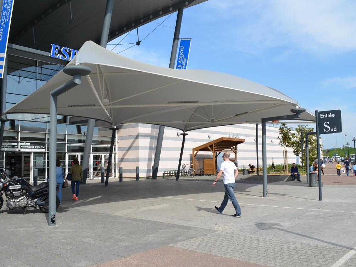 Texabri, abri de passage Géant Casino Angers