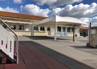 Texabri construit un préau d'école à la maternelle de Portiragnes